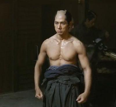 西島秀俊、筋肉