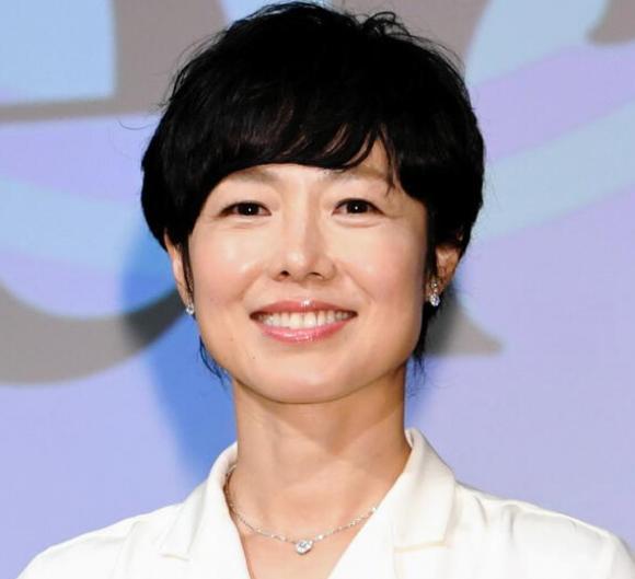 有働由美子アナ、菅官房長官への質問で炎上!